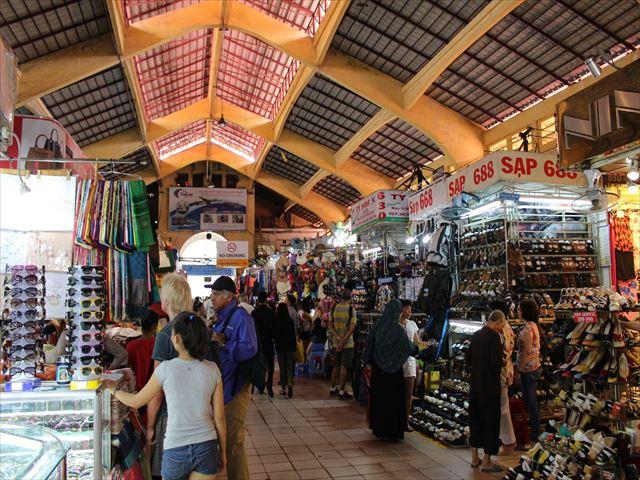 ベンタイン市場はホーチミン観光の象徴