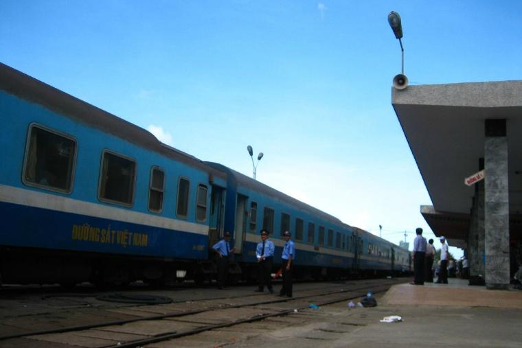Vietnam_Train_01.jpg
