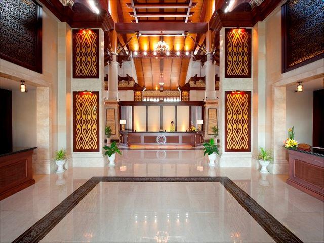Mainland Lobby.jpg