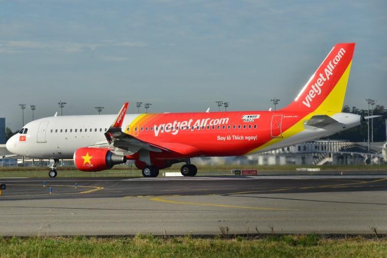 VietJet_Air_Airbus_A320_-_F-WWBR_-_MSN_5822_(10512810046).jpg