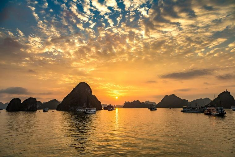 sunset-in-halong-bay-vietnam-in-a-summer-day.jpg