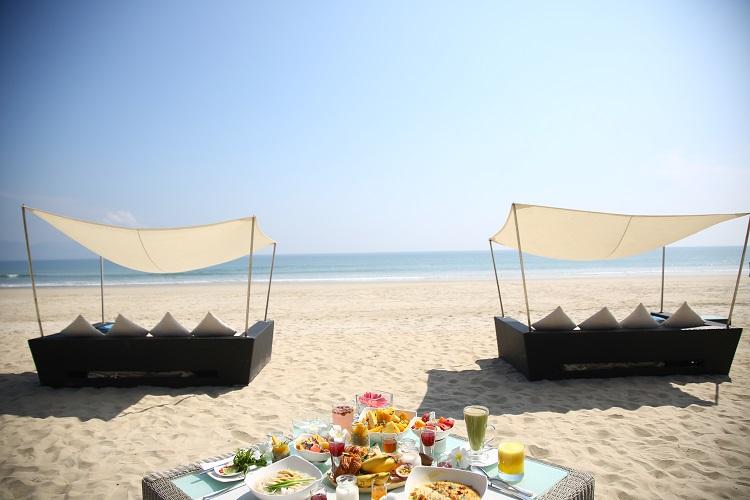 ビーチ(朝食)
